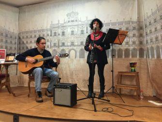 El músico César Rivadeneyra y la poeta Sofía Montero.